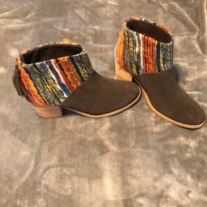 Toms Leila Brown Suede Booties - Size 6.5